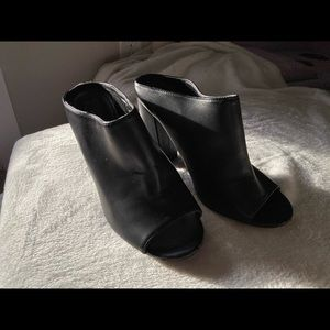 Forever 21 size 7 heel